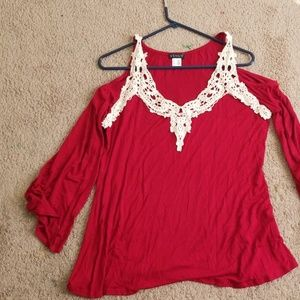 Women's top venus  in red and white